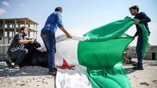 Syrian rebels start heavy weapons removal from Idlib