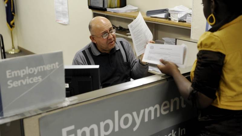 US initial jobless claims up by 7,000 to 214,000
