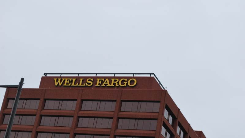 Wells Fargo reports Q3 EPS of $1.13, up 34%