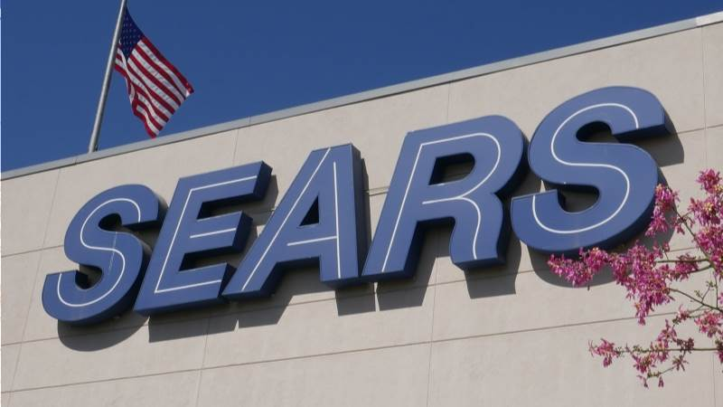 Sears close to deal to stay open until Christmas - report