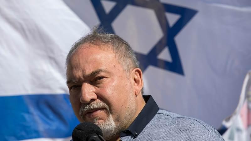 Israel halts Gaza fuel deliveries amid clashes