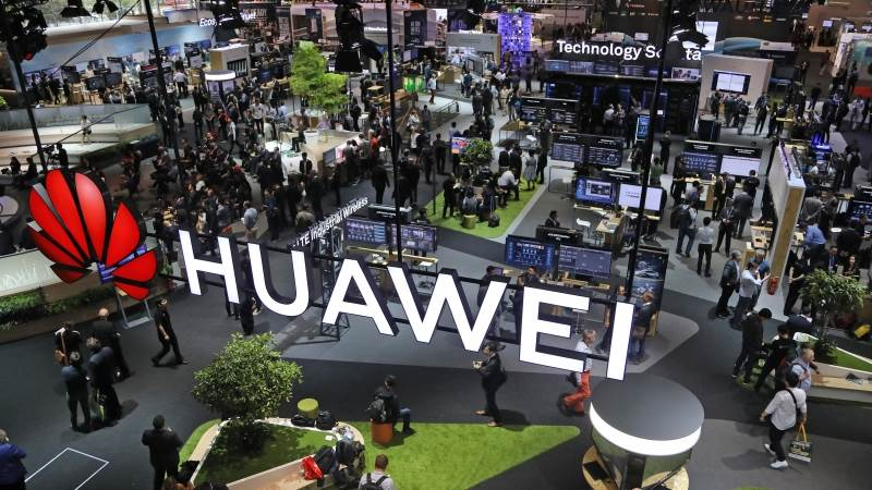 Senators warn Canada against deal with Huawei